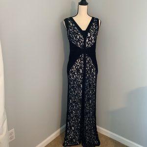 Floor length Tadashi Shoji formal lace dress